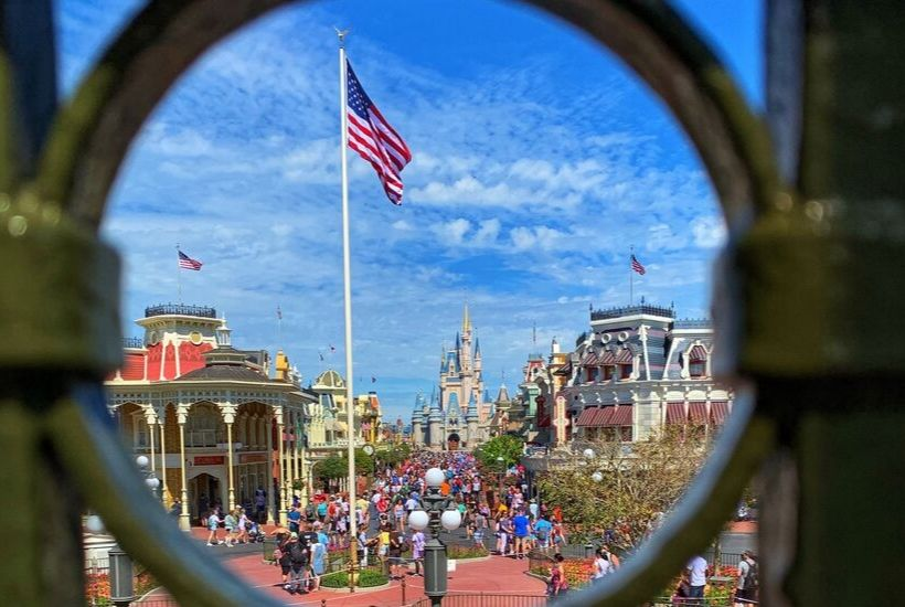 Disney Resort Benefits Every day should be a Magic Kingdom Day. Here are helpful Disney Planning tips to make the most of your day in Walt Disney World Magic Kingdom. These stress-free Magic Kingdom tips will make your Disney World Vacation even more magical. #disneytips #magickingdomtips #disneyhacks